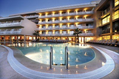 Почивка в HOTEL OCCIDENTAL CALA VINAS 4*